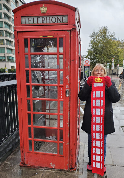 London Phone Booth Scarf Crochet Pattern