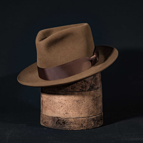 Hornskov classic teardrop fedora hat in clay with brown ribbon