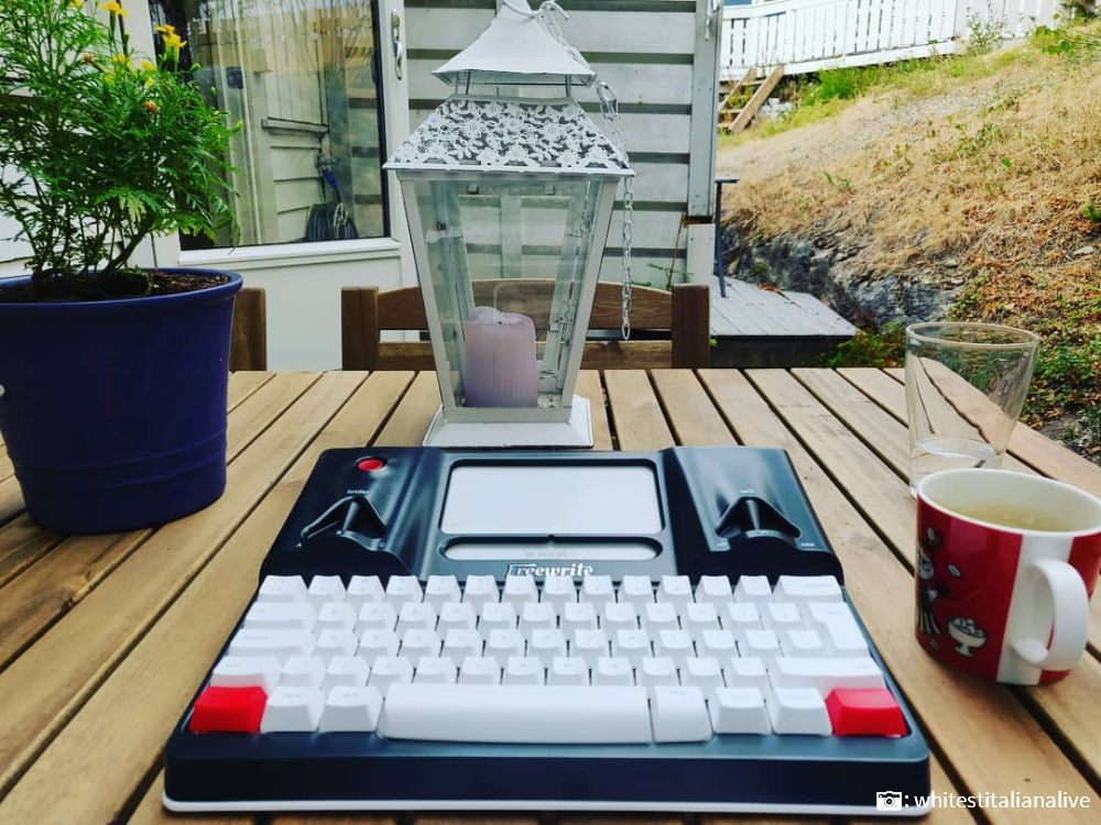 backyard writing coffee tea lamp