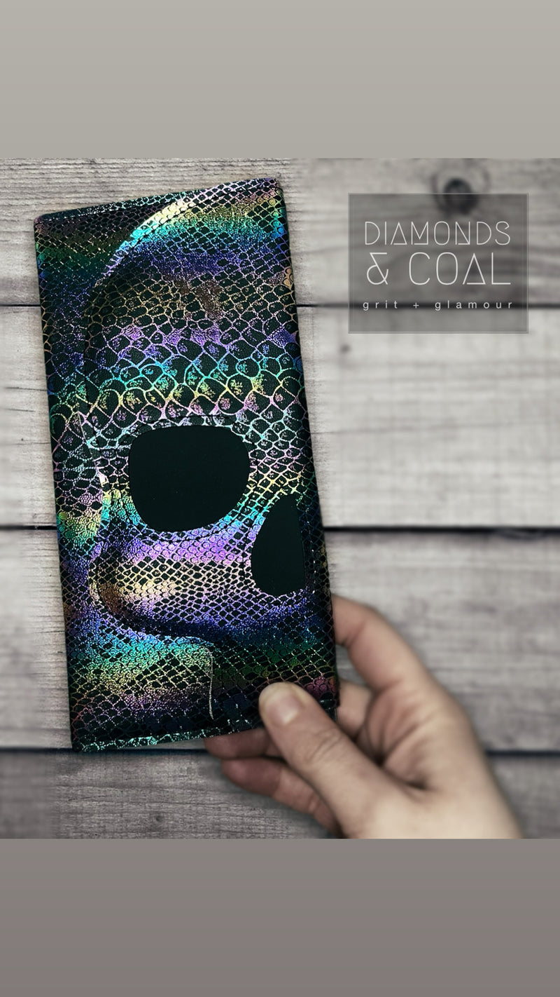 Ymir Skull Wallet - Dark Rainbow Serpent