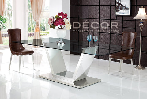 MAGNUM Dining Table