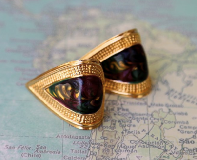 Classy 90's fashion vintage earrings