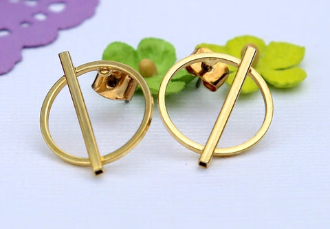 Simple & True Gold Studs