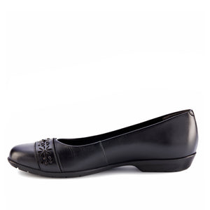 Francine Flat: Black Leather