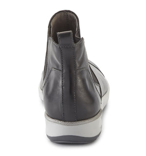 Osmond Bootie: Black Leather LIMITED STOCK