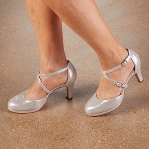 Pammy: Silver Glitter Leather NEW