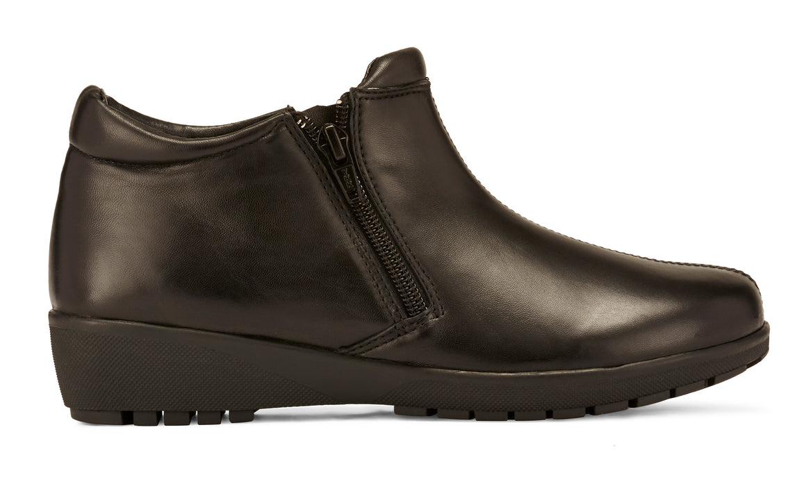 Women's Comfort Bootie- Zeno in Black Leather