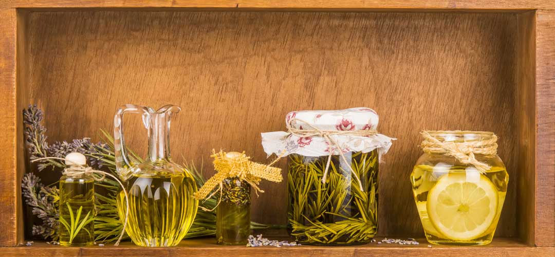 Does Your Best Friend Like To Cook And Entertain Lucky You A Unique Birthday Gift Idea For Is Personalized Olive Oil Vinegar Set