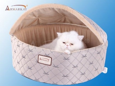 Armarkat Hooded Quilted Silver/Beige Cat Bed