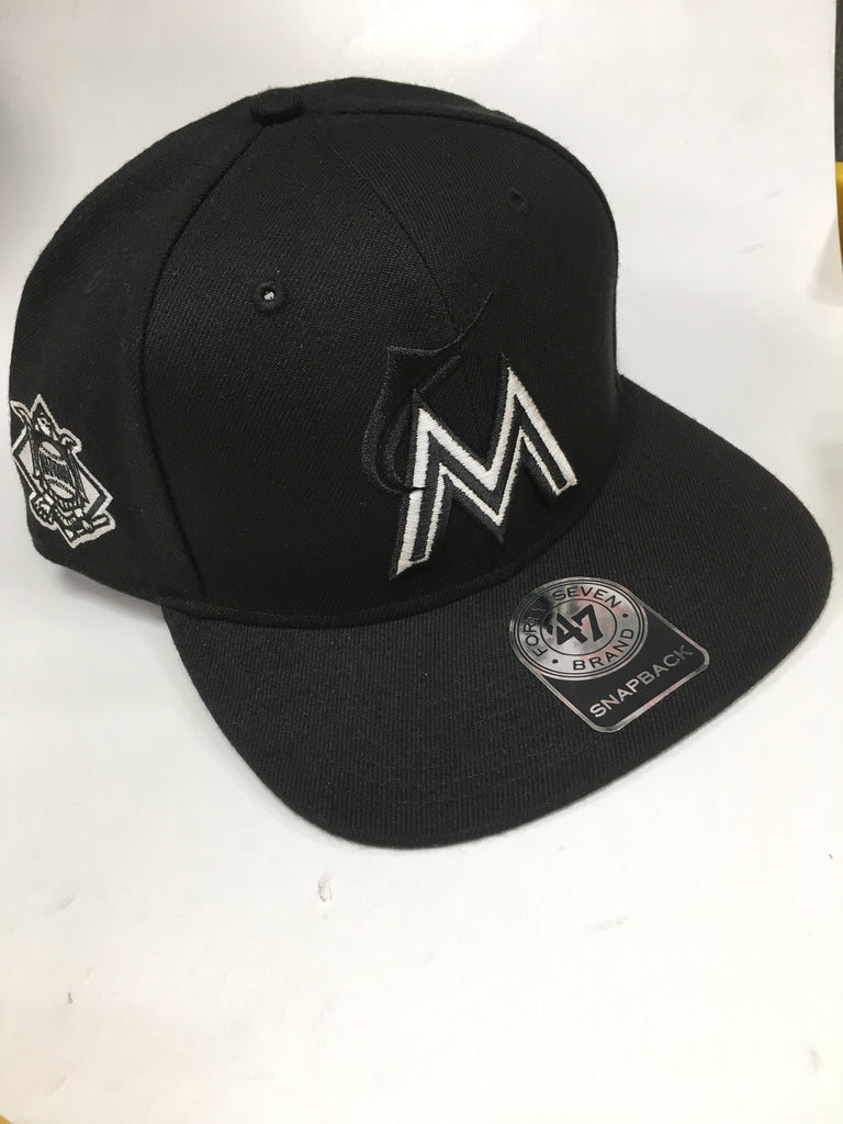 f046fcdf756c4 ... Miami Marlins Sure Shot 47 Captain Wool Snapback Hat - Black ...