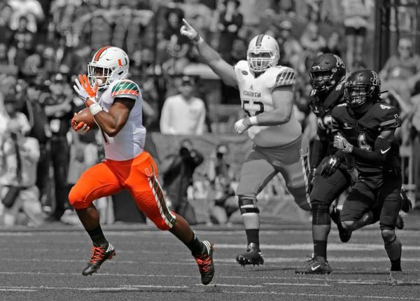 Mark Walton Signed Photo - Pulling Away