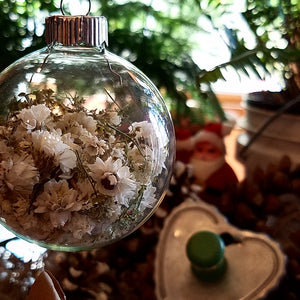 Bachelor Button Dried Flower Christmas Ball Ornament, Glass Globe Tree Decoration