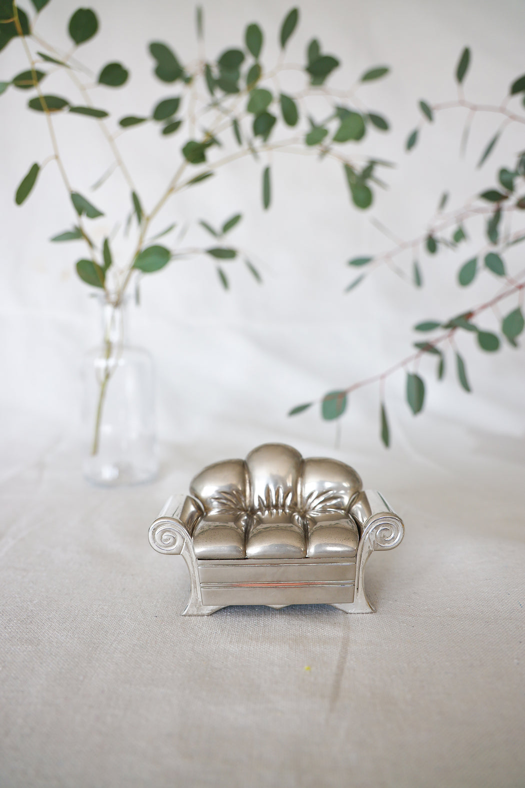 Silver Antique Couch Jewelry Box with Crystals