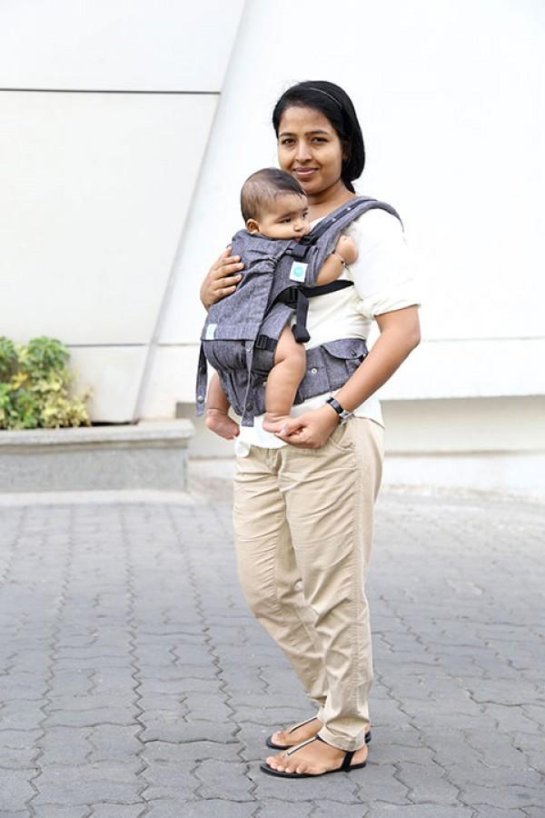 dfd77214b3f ... Mother and Baby Babywearing in Soul Slings Baby Carrier in Brisbane  Australia · Soul Slings - AnoonA Full Buckle ...