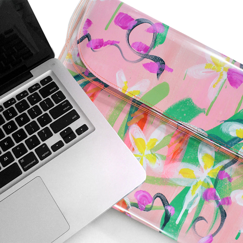 "heaven on earth | laptop 15"" slim fit"