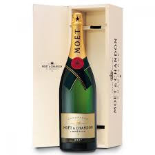 Moet & Chandon Champagne - 75cl