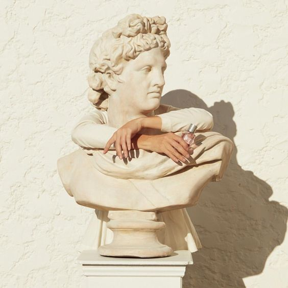 Bust sculpture arms
