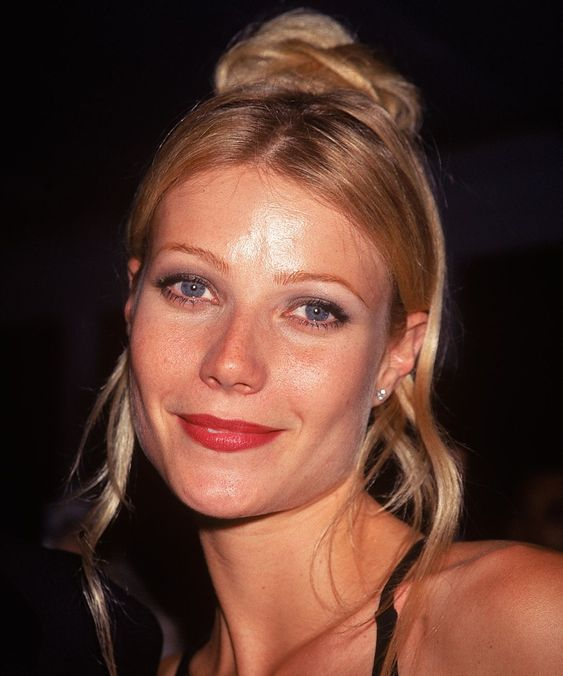 Gwyneth Paltrow 90s hair