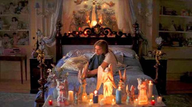 Romeo Juliet bedroom claire