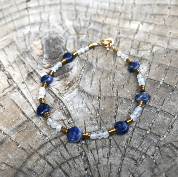 Aspen Moonstone and Sodalite Gemstone Beaded Bracelet