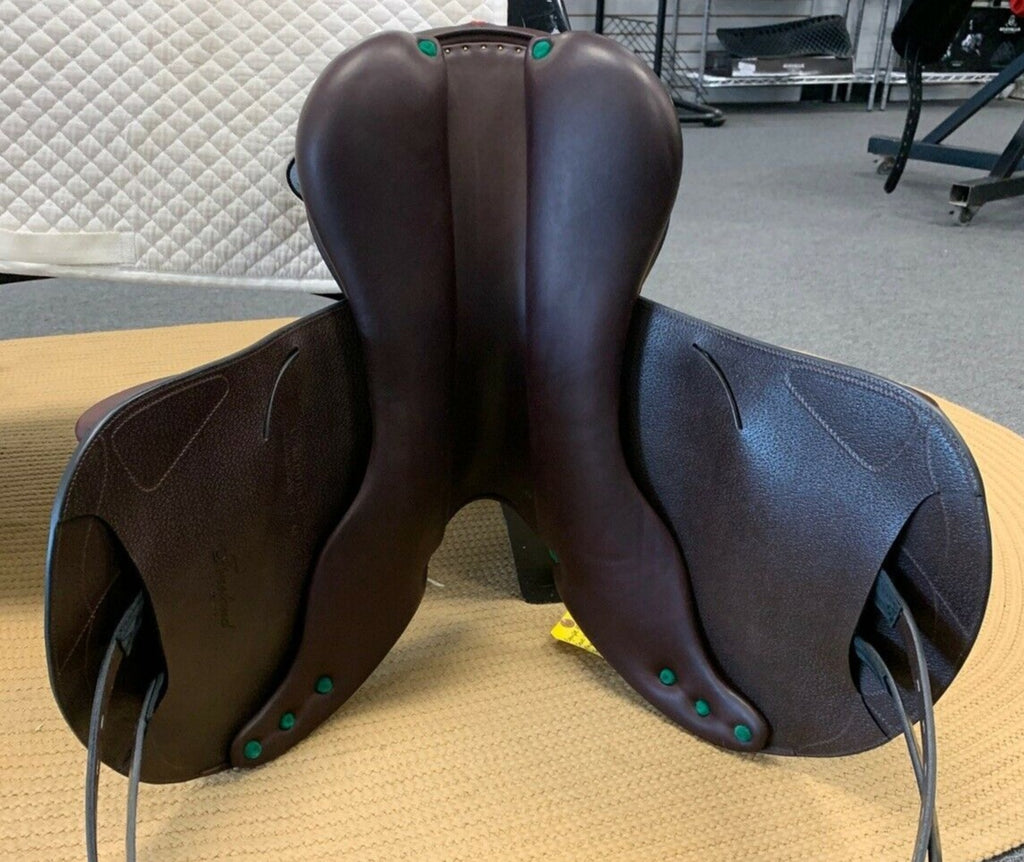 Lightly Used Demo Equipe Evolution Monoflap Jump Saddle