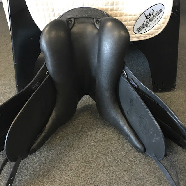"Demo Triumph 18"" Dressage Saddle"