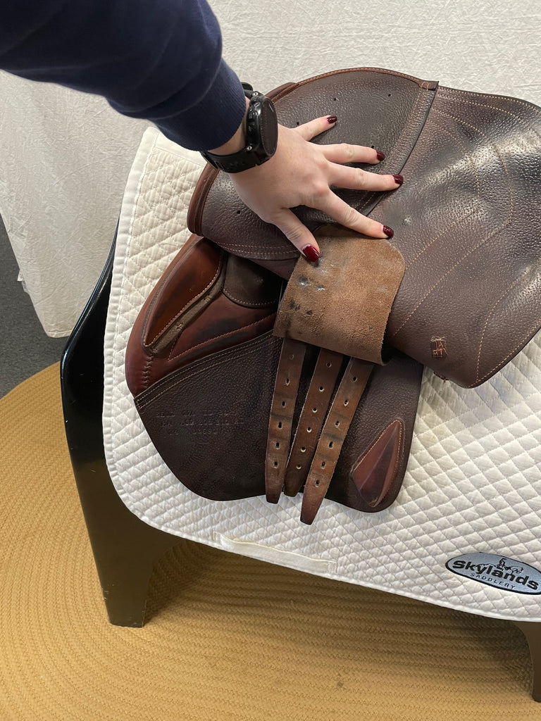 "Used CWD SE01 Semi-Flat 17.5"" Jump Saddle"