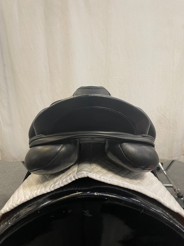 "Used DK Freedom 17"" Monoflap Dressage Saddle"