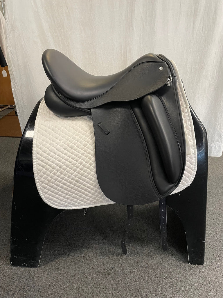 "Used Custom Wolfgang Solo 17"" Dressage Saddle"