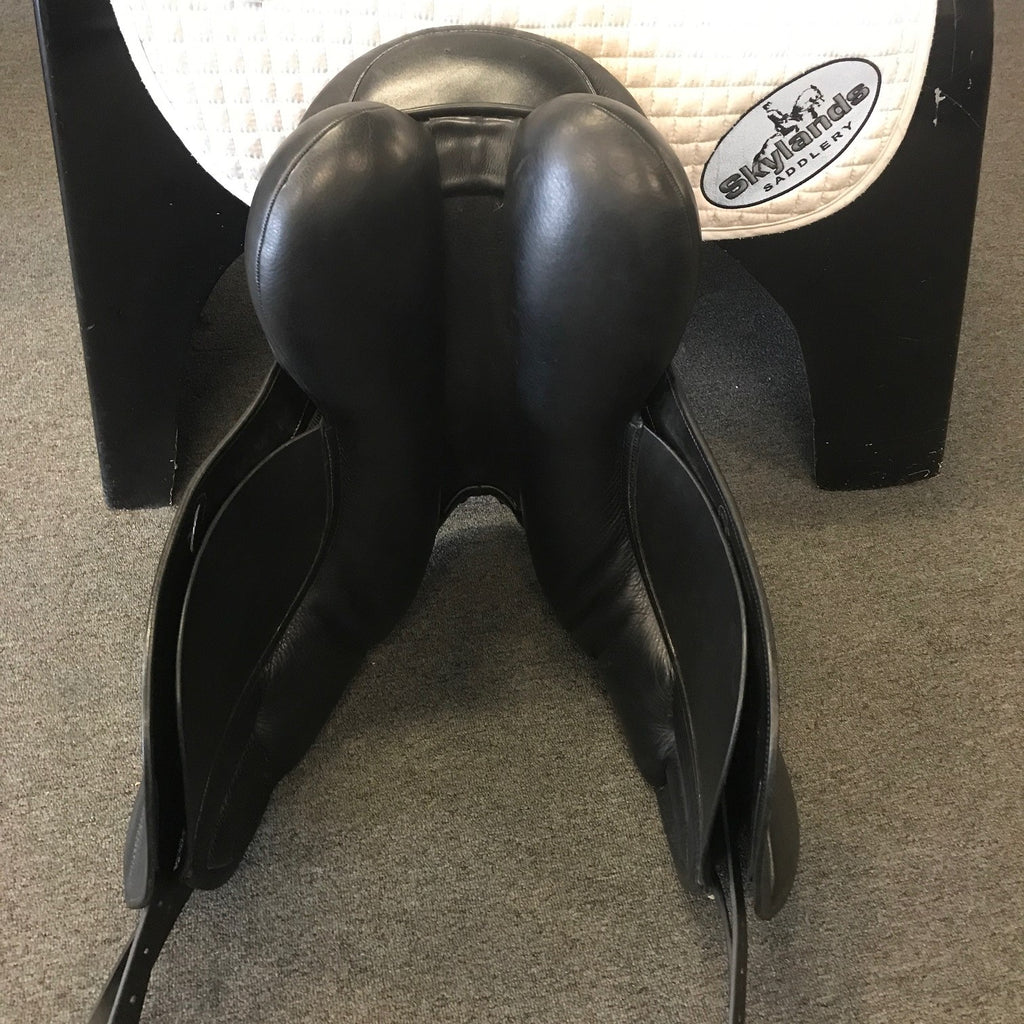 "Used Frank Baines 18"" Aires de Haute Dressage Saddle"