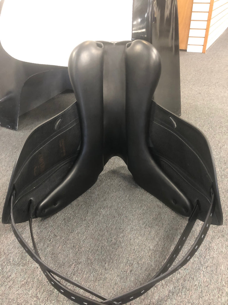 Pre-Owned New Equipe Emporio Monoflap Dressage Saddle - 18""