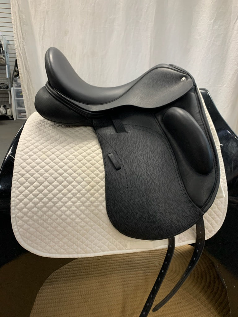 "Demo Custom Steffen's Advantage Monoflap 17"" Dressage Saddle"