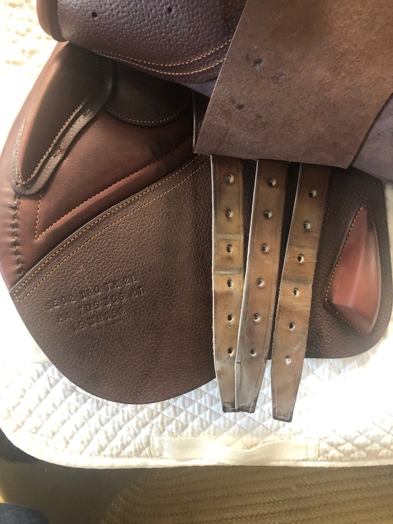 "Used CWD Semi-Deep SE02 18"" Jump Saddle"