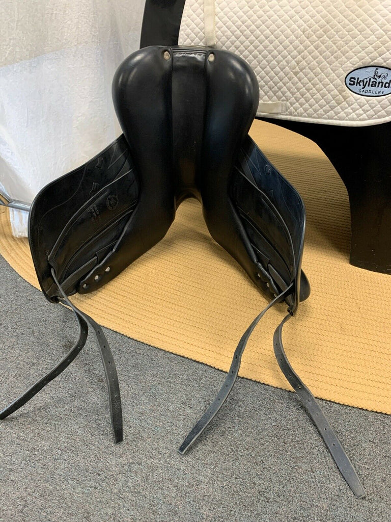 Used CWD SE05 Dressage Saddle