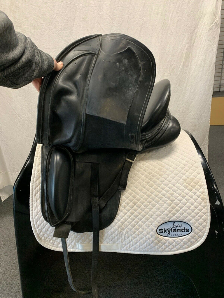 "Used Schleese Wave 17.5""  Dressage Saddle"