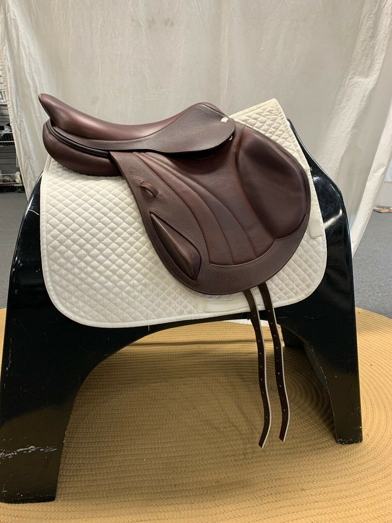 "Used CWD SE09 17.5"" Jump Saddle"
