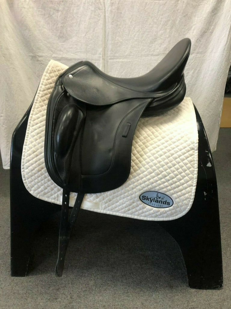 "Used Schleese Obrigado Monoflap 18"" Dressage Saddle"