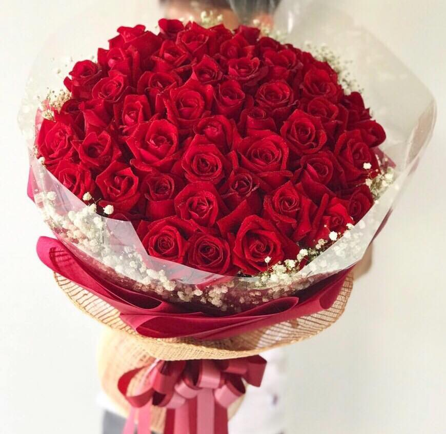 Elegant Bouquet Of 50 Red Roses - April Flora
