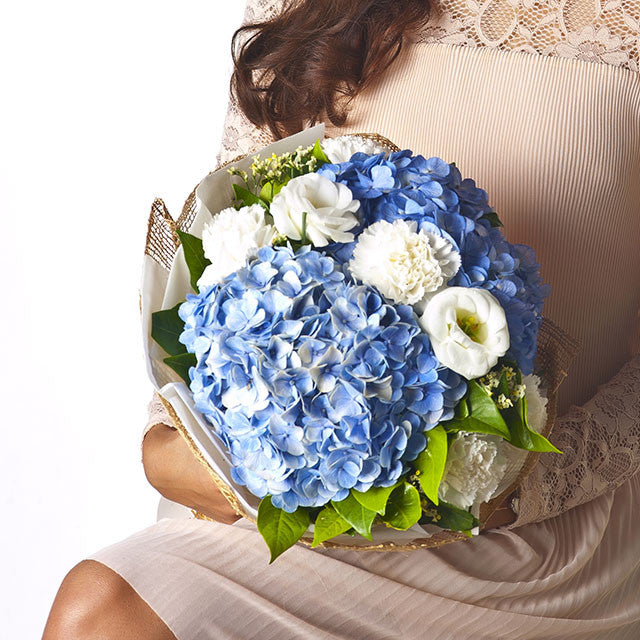 Round Shape Garden Bouquet With Hydrangea And Carnation - April Flora