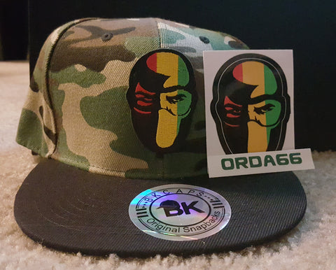 War -  snapback fitted