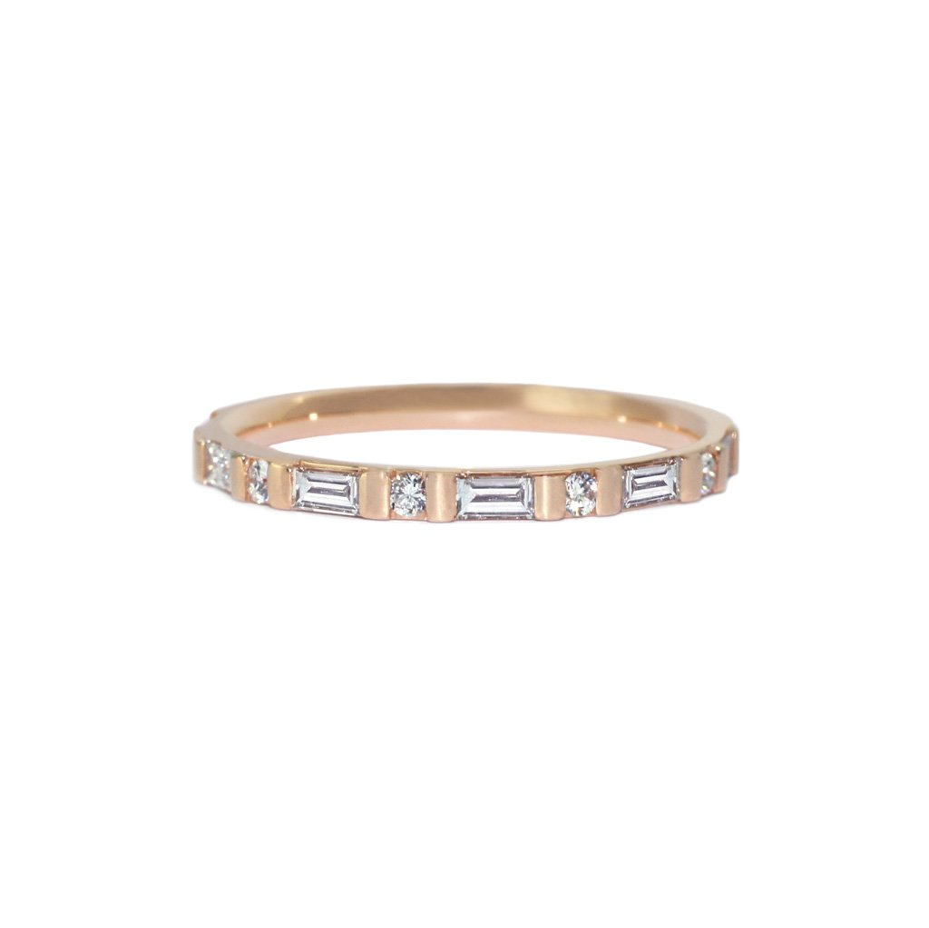 baguette-diamond-round-diamond-wedding-band-rose-gold-sydney-jewellers-lizunova-chifley-square