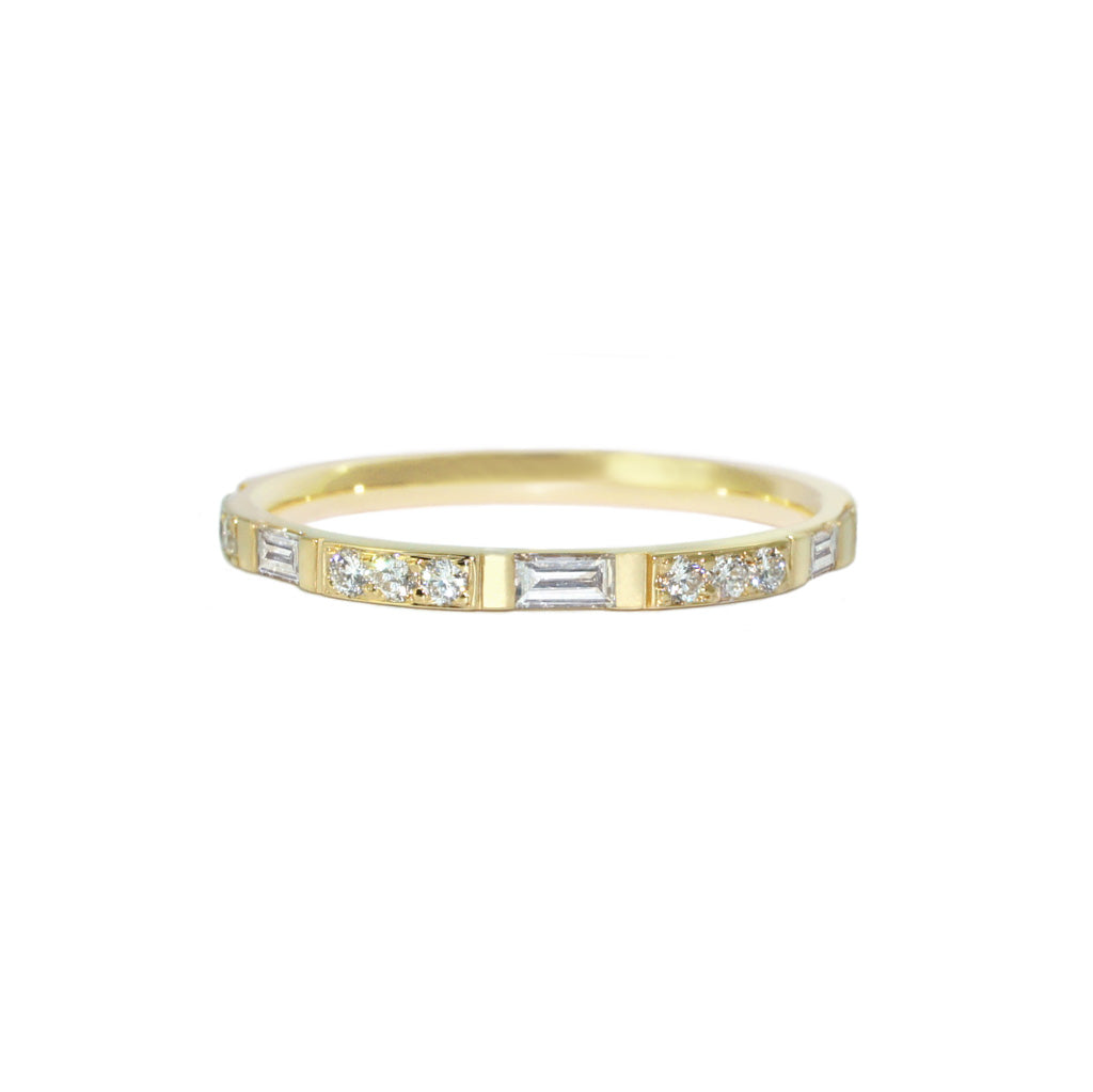 baguette-diamond-round-diamond-wedding-ring-yellow-gold-sydney-jewellers-lizunova