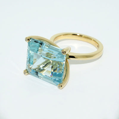 Aquamarine-diamond-custom-made-cocktail-ring-sydney-jeweller-lizunova