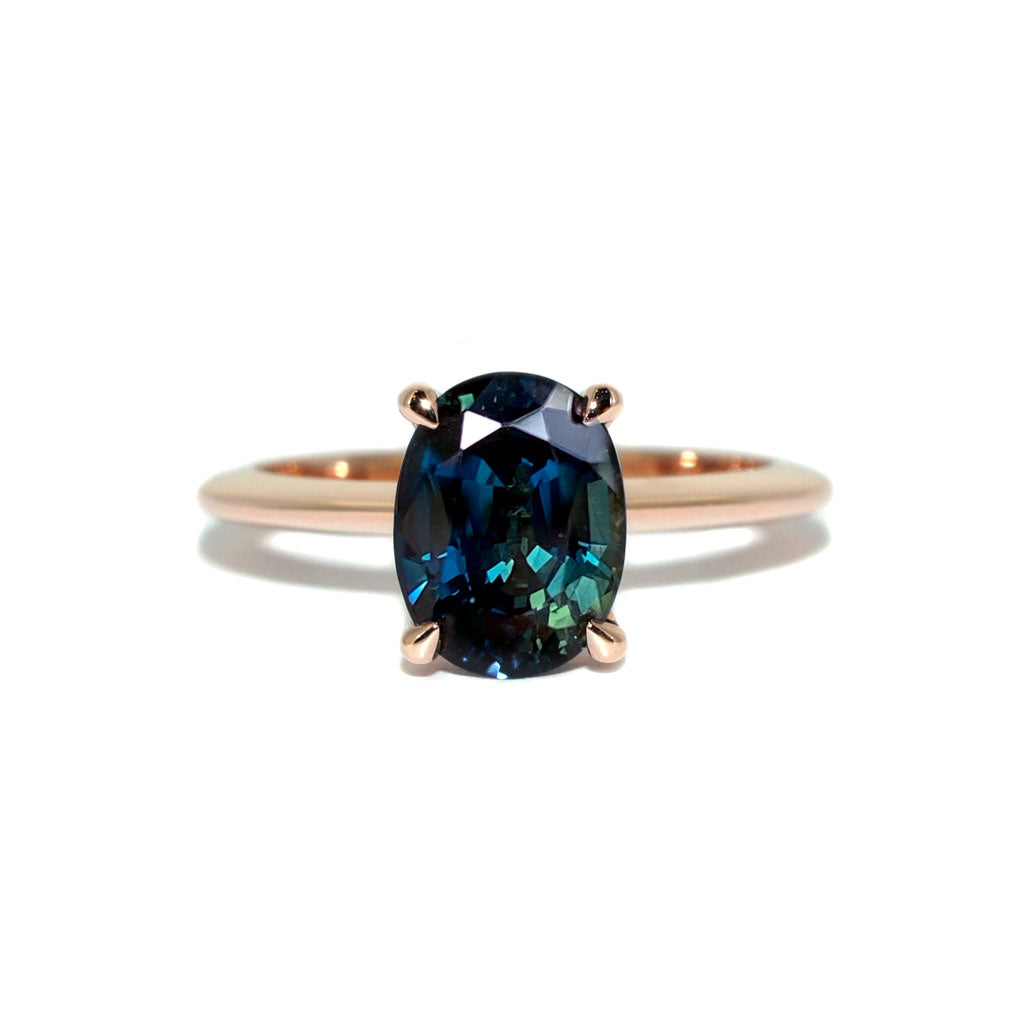 Oval-Australian-parti-sapphire-engagement-ring-rose-gold-Sydney-jeweller-Lizunova-Fine-Jewels-Chifley-Square