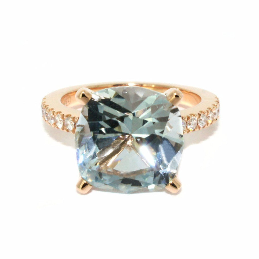 Lizunova Bespoke Bespoke engagement ring with aquamarine