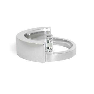 white-gold-baguette-diamond-contemporary-ring-sydney-jewellery-designer-lizunova