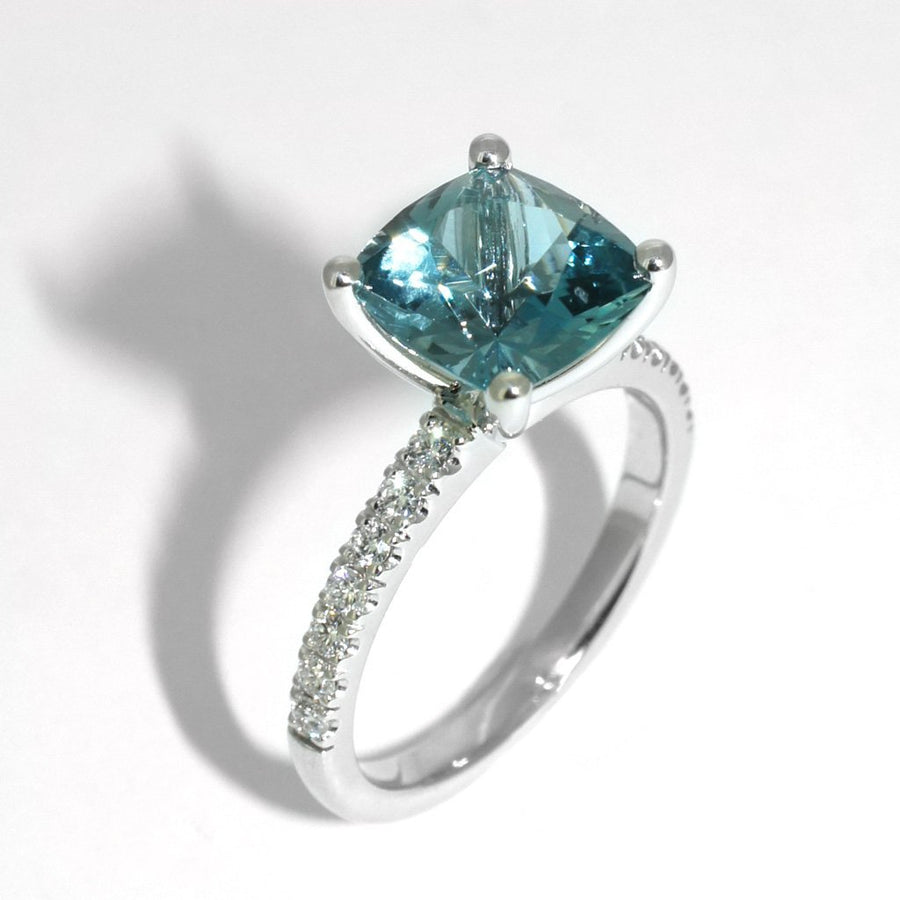 bespoke-engagement-ring-diamonds-white-gold-aquamarine-by-sydney-cbd-jeweller-lizunova