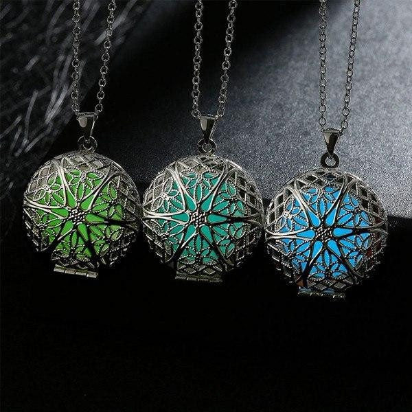 Glow In The Dark Round Star Locket Necklace