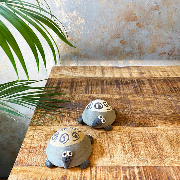 Ceramic mini turtles (Set of 2)