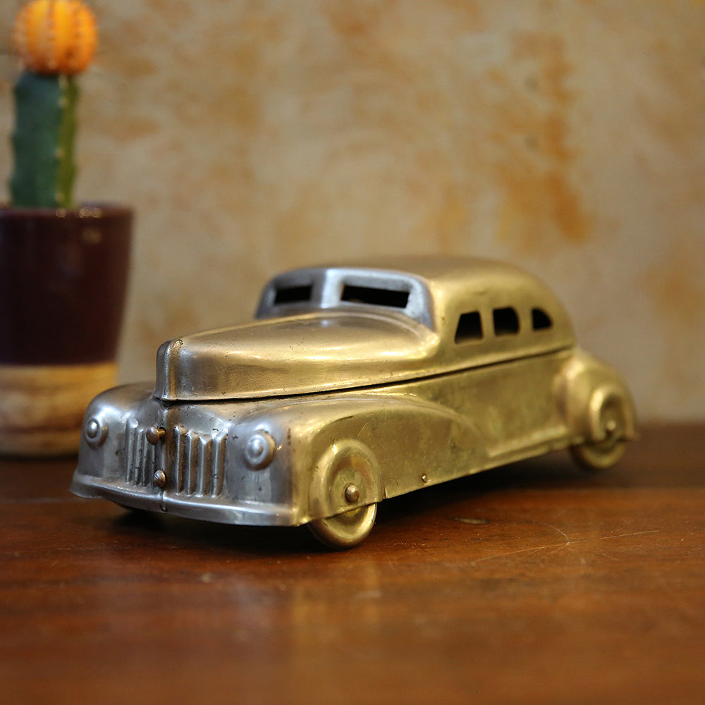 Vintage Car Paan Holder
